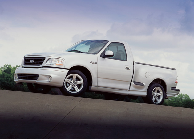 Ford F-150 SVT Lightning 2004